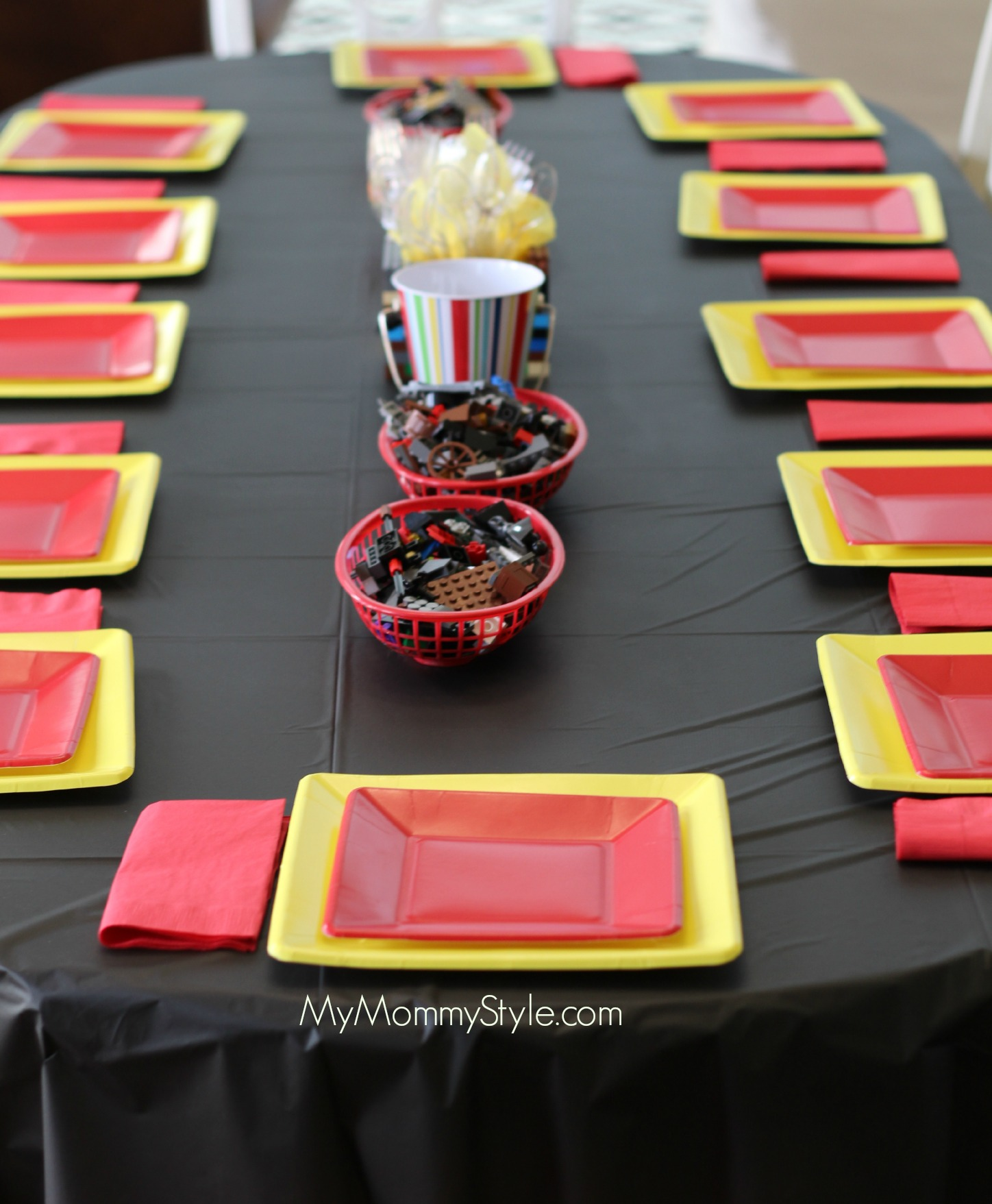 Lego Party, lego movie party, table, legos, mymommystyle.com, legos, party table