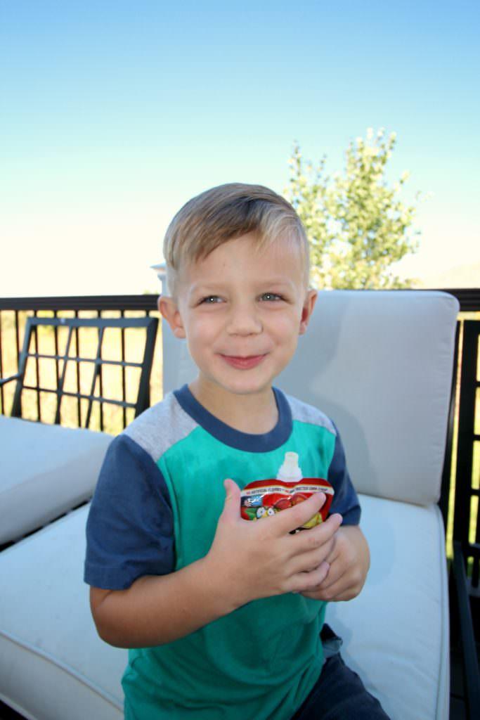 musselmans-applesauce-happy-boy