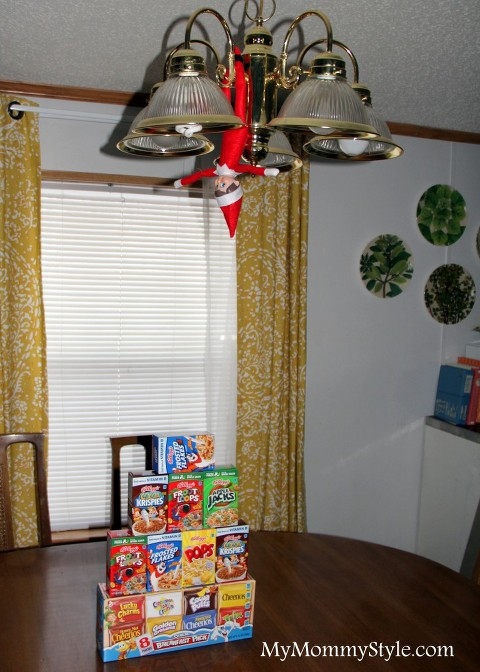 Hanging elf with cereal