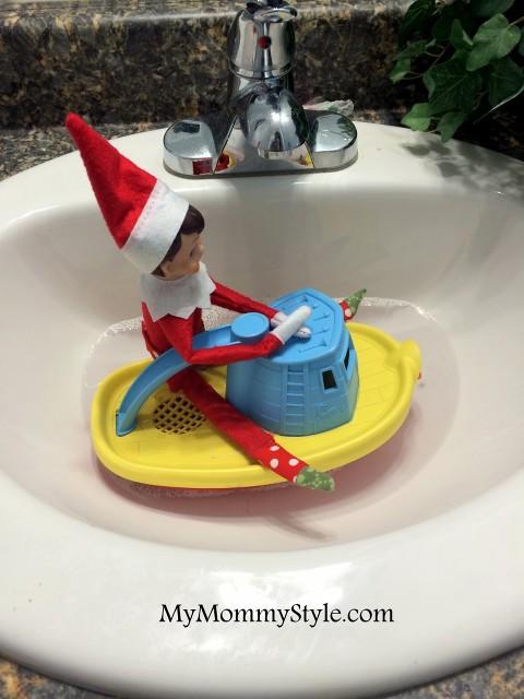 elf on the shelf ideas, elf in a boat