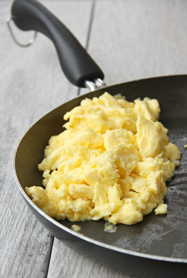 perfect fluffy scrambled eggs