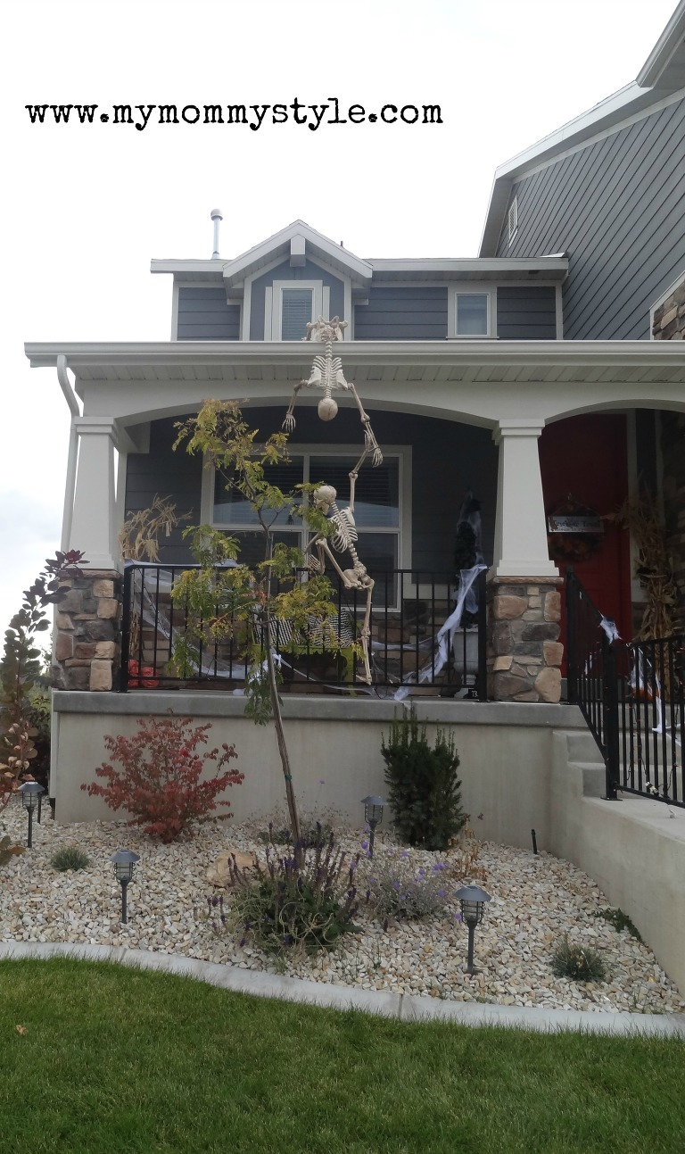Skeletons climbing the house
