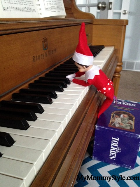 elf on the shelf ideas, playing the piano