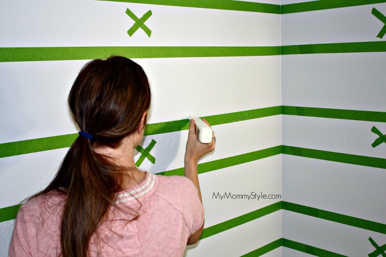 stripes frogtape, bathroom, painting, how to paint, painting tips