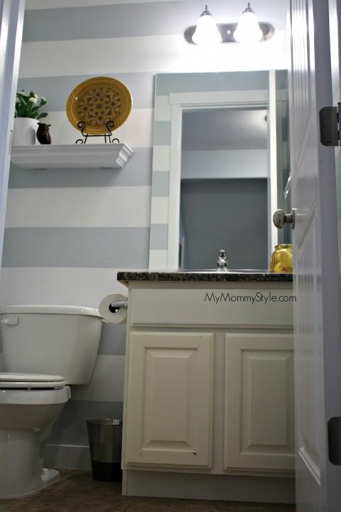 stripes in the bathroom, bathroom decor, mymommystyle.com, small bathroom decor