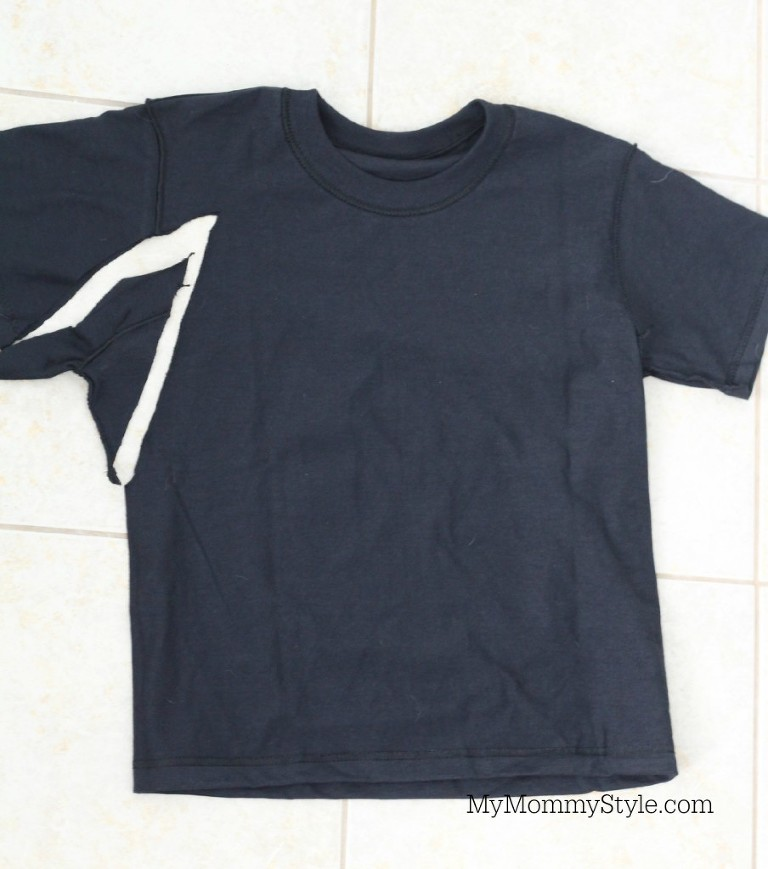 Black T-Shirt cutting out under arms Harry Potter Robe Pattern.