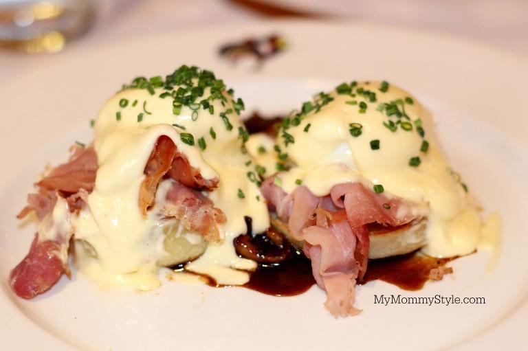 Breakfast at Brennans, NOLA, Eggs Benedict