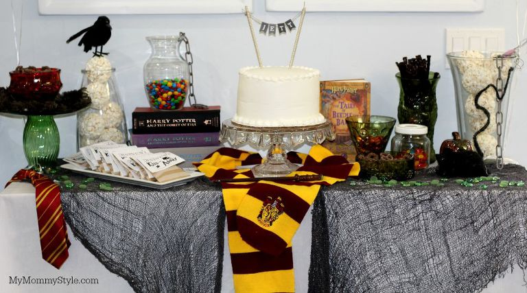 Harry Potter Party, Harry Potter, Table, Houses, MyMommyStyle, treat table