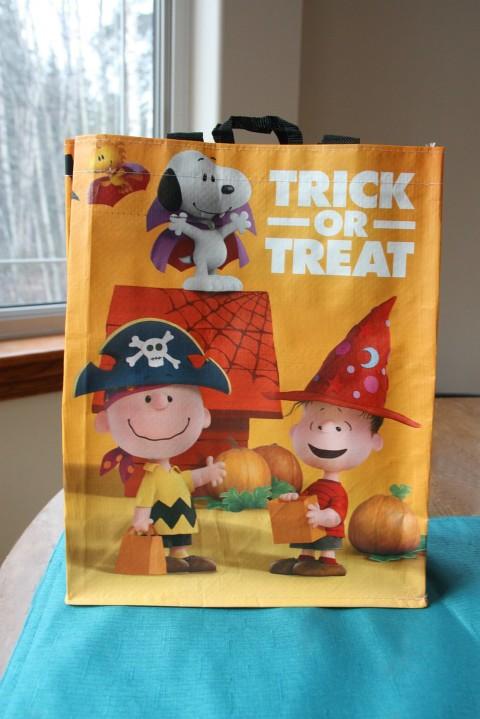 trick or treat peanuts bag