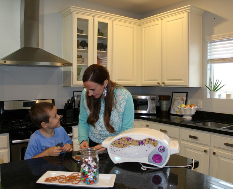 cooking with kids, mymommystyle, easy bake oven