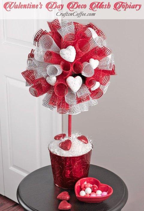valentines-day-deco-mesh-topiary