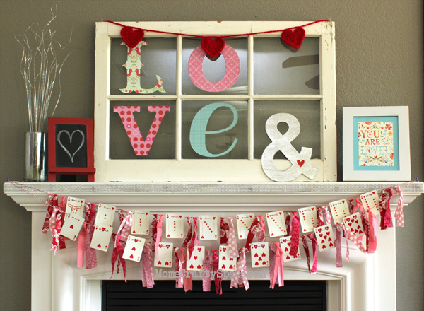 15 Beautiful Valentine S Day Mantel Ideas My Mommy Style