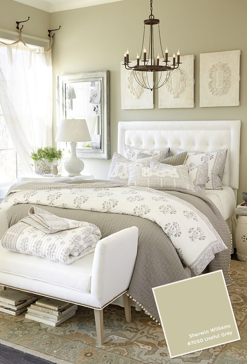 20 beautiful guest bedroom ideas my mommy style - Gorgeous bedroom decoration with various sliding bed table ideas ...