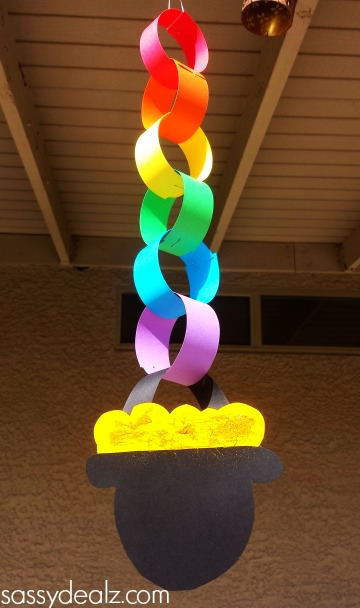 St patrick's day rainbow chain