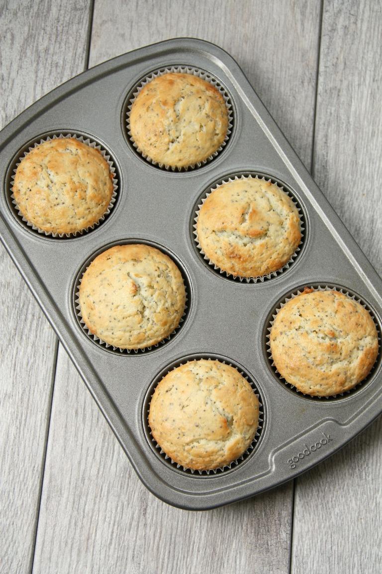 yummy lemon poppyseed muffins