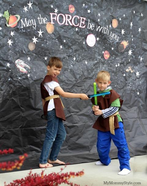 cousins, light saber fight, star Wars party
