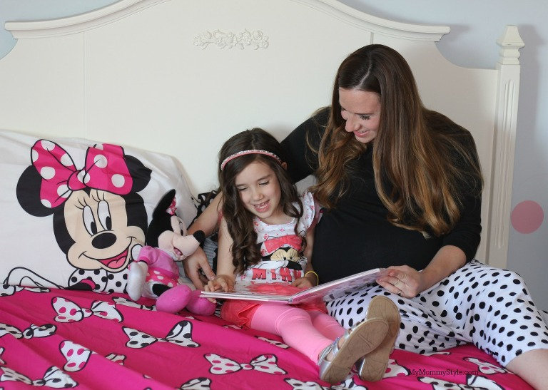 Creating moments that matter, my mommy style, mini me, minnie mouse, reading books