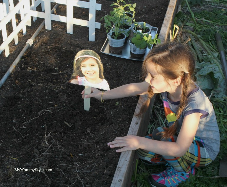 Creating a family garden, eco scraps, my mommy style, gardening with kids, planting a garden