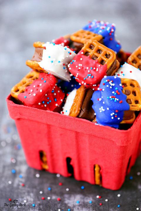 Red-White-Blue-Candy-Bar-Pretzels