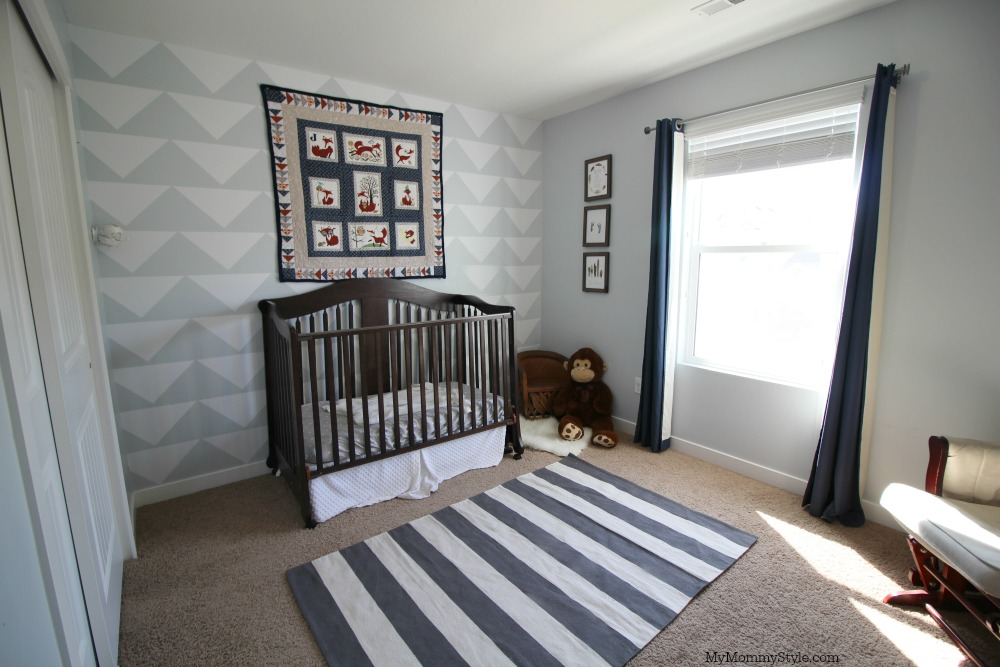 Arrows, stripes and hues of blue and gray completes this darling fox nursery. Let's get your nursery ready for that sweet baby boy or girl. via @mymommystyle