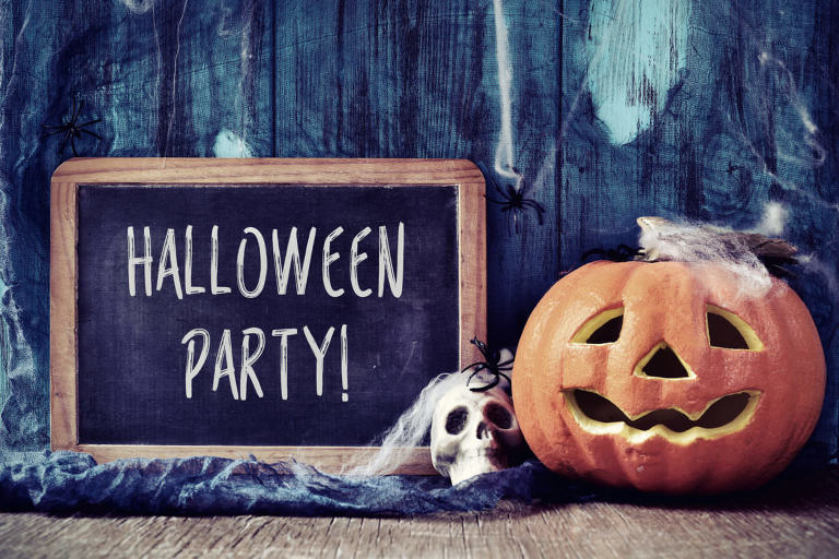 How to throw an awesome and fun halloween party
