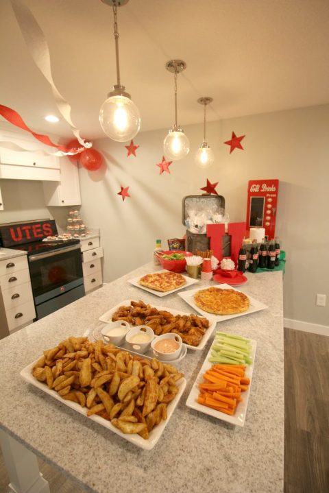 tailgating-party-family-time-low-stress-party-tailgate-food