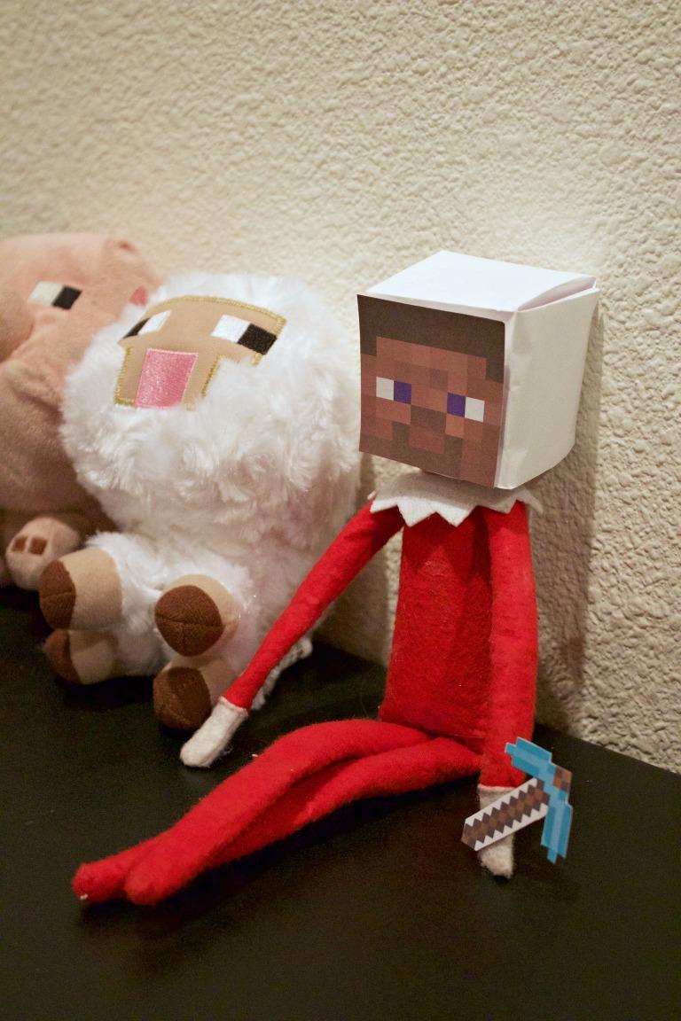 Minecraft Elf on the Shelf