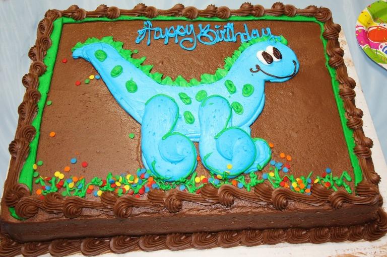 classic-skating-birthday-party-costco-cake-dinosaur-cake