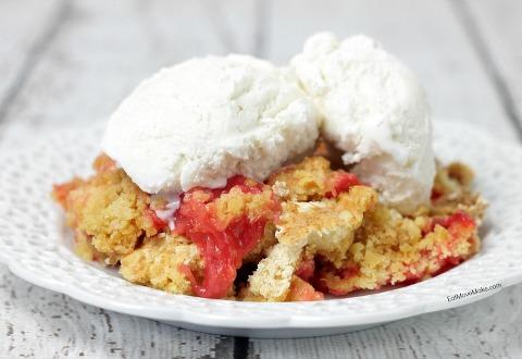 Rhubarb Crockpot Dump Cake topped with Vanilla Ice cream