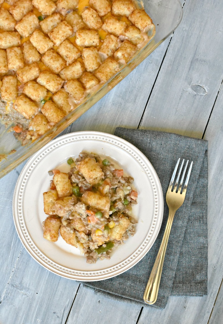 Super easy and Cheesy tater tot casserole - My Mommy Style
