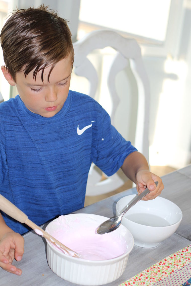 How to make fluffy slime - add borax + water to slime slowly