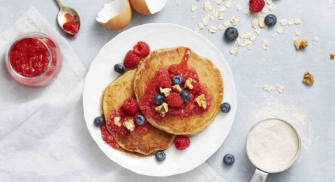 Heart Healthy Recipes of whole grain berry pancakes.